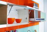 光沢のあるラッカーL Shaperの食器棚