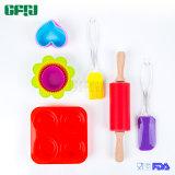Les enfants d'outils de cuisson en silicone de cadeaux Ustensiles de cuisine ensemble de la cuvette de muffin, Pudding moule, l'axe de roulement et les outils