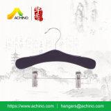 Crochet de suspension du vêtement en bois noir avec crochet en métal pour bébé