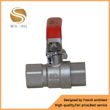 Válvula de control de cobre amarillo de calidad superior de presión diferenciada