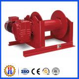 El torno de las piezas del alzamiento de la construcción tiene carga 0.5 toneladas