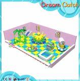 Campo de jogos interno comercial de venda quente das crianças da exportação com corrediça interna