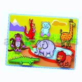 D'épaisseur de puzzle en bois jouet pour bébé avec les animaux de zoo (80493)