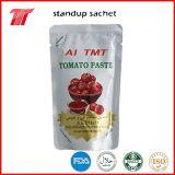 缶詰にされたトマトのりのトマトソースのケチャップ