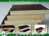 madera contrachapada del anuncio publicitario de los 4FT*8FT con la película impermeable y negra/de Brown para la construcción