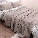 Copriletto leggero stabilito dell'hotel di qualità della trapunta del Comforter lavabile per personalizzato