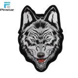 Kundenspezifischer Qualitäts-Wolf-Kopf-geformtes Eisen auf Änderung am Objektprogramm