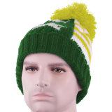 大人の暖かい編まれた柔らかいタッチのアクリルはPOM POMのスキー帽子の帽子についてへまをする