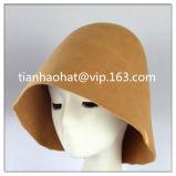 婦人帽子類のためのウールのフェルトの帽子のフード