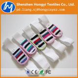 Pannolino del bambino con nastro adesivo elastico del fermo del ciclo