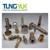 Подгонянные автозапчасти частей CNC высокой точности поворачивая подвергая механической обработке