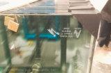 Lo strato di vetro ha imballato individualmente in cartone con le protezioni d'angolo di plastica