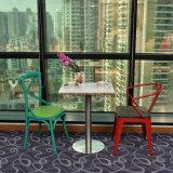 十字の背部粉の別のカラーオプションの上塗を施してある金属の椅子