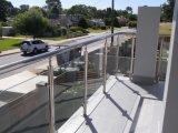 ステンレス鋼のバルコニーのガラス手すり、ガラス塀、半ガラス柵