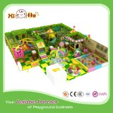Cour de jeu d'intérieur gonflable d'enfants avec la diverse piqûre de sable de jouets