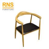 D020はインポートの現代食事の模倣された木製の椅子を卸し売りする