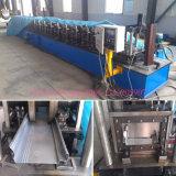 Metalltürrahmen, der Maschine bildet