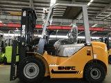 5mのTriplex 3つの段階のマストのディーゼルフォークリフト2.5トン