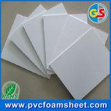 Strato puro della gomma piuma del PVC di bianco
