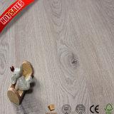 Nut-deutscher gebildeter lamellenförmig angeordneter Bodenbelag der Qualitäts-U