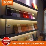 Pintura de folheado de madeira com armários de cozinha de alto brilho