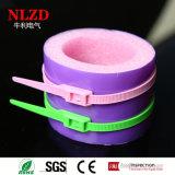 Inline-Kabelbinder des neuen Entwurfs verwendet im Spielplatz der Kinder
