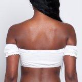 Form-Frauen wickelten Brust-Getreide-Oberseite weg von der Schulter-Bluse ein