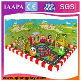 2016 Stlye Qilong novos equipamentos para crianças playground coberto de madeira