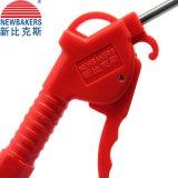 A mão utiliza ferramentas o vermelho do injetor de sopro do ar do injetor da poeira (KS-10)