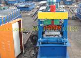 El panel de apartadero del metal que forma la máquina