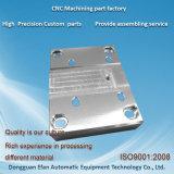 Pièces de fraisage de usinage faites sur commande d'aluminium de commande numérique par ordinateur de haute précision de service d'usine