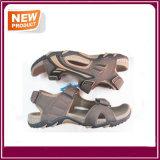 Ботинки сандалии пляжа для людей