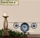 Orologio rosso del piano d'appoggio del metallo di figura di volo dell'oggetto d'antiquariato della decorazione dell'annata