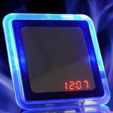 青光線ミラーの正方形の時計