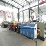 Le WPC Flooring le matériau de base de mousse PVC Commission Making Machine