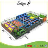 Tubo galvanizado Parque de diversões Trampolim urbano infantil com rede de segurança
