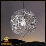 Um elegante pingente de Metal (Iluminação Decorativa KAMD21152-1-650)