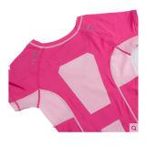 女性のスポーツの摩耗のためのブランク細い適合のTシャツ
