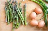 고품질을%s 가진 통조림으로 만들어진 녹색 아스파라거스