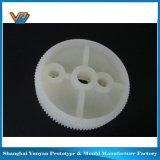 Protótipo plástico da impressão do carro modelo 3D