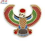 Personalizar la forma de águila de alta calidad insignia de solapa para regalo