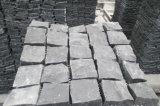 Do cubo barato cinzento do granito de China o Split natural da pedra de pavimentação G654 inflamou-se
