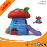 아이 위락 공원 활주를 가진 플라스틱 작은 장난감 실행 집