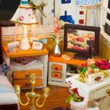 新しい到着家具が付いているミニチュア木DIY人形の家