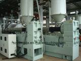 Tubulação nova do LDPE que faz a maquinaria