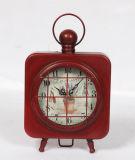 Horloge antique fabriquée à la main carrée en métal