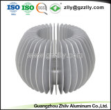 優秀な突き出された建築材料のアルミニウムヒマワリ脱熱器
