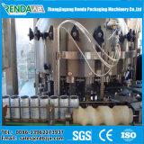 炭酸飲み物の清涼飲料は満ち、密封機械できる
