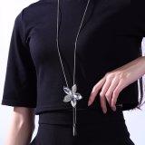 De Juwelen van de Vrouwen van de Halsband van de Manier van het Glas van de Tegenhanger van de Vorm van de bloem