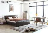 木フレームが付いている現代調度品の寝室の革柔らかいベッド